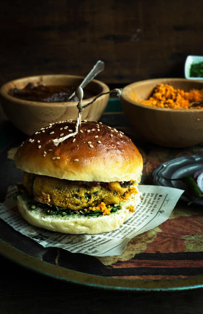 Rakhee Yadav of Boxofspice on The Dinner Special podcast talking about how food is enjoyed and shared in India and Holland.